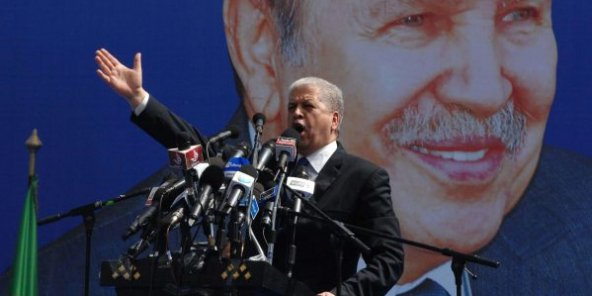 Algérie : Ahmed Ouyahia, ex-Premier ministre de Bouteflika, placé en détention provisoire